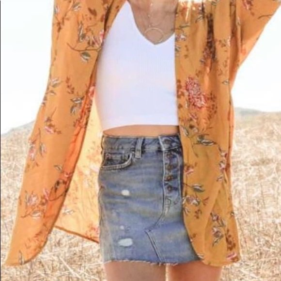 So good I had to share! Check out all the items Im loving on @Poshmarkapp  from @brwnskinn17  #poshmark  #fashion  #style  #shopmycloset  #freepeople  #wethefree  #maeve :  https://posh.mk/nv7ZOdOtQX