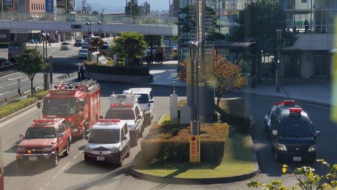 山形駅エスパルに爆発物の可能性のあるものが見つかり処理を行っている現場画像
