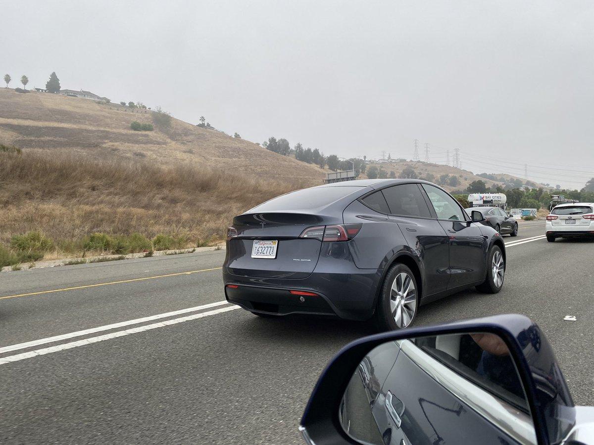 Tesla Model Y (2019) 52