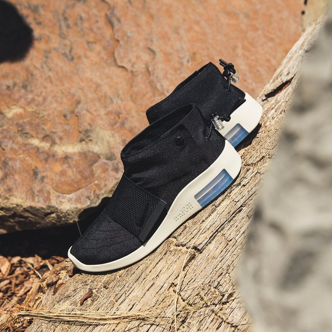 Ad: New Low Price: Fear of God x Nike Moc Black on sale for $89.59 + FREE shipping => bit.ly/32eHrNB