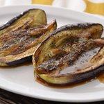 秋じゃなくても食べたくなる!?秋茄子がジューシーな「茄子のステーキ」の作り方!