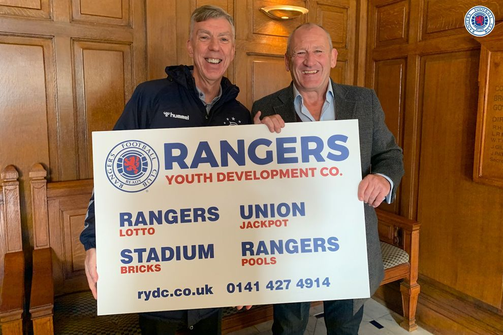 💻 Former #RangersFC midfielder Terry Hurlock enjoyed a Twitter Q&A with supporters recently on @rfc_rydc.  ➡️ Check out the highlights of his Q&A: http://rng.rs/2B6gZd5