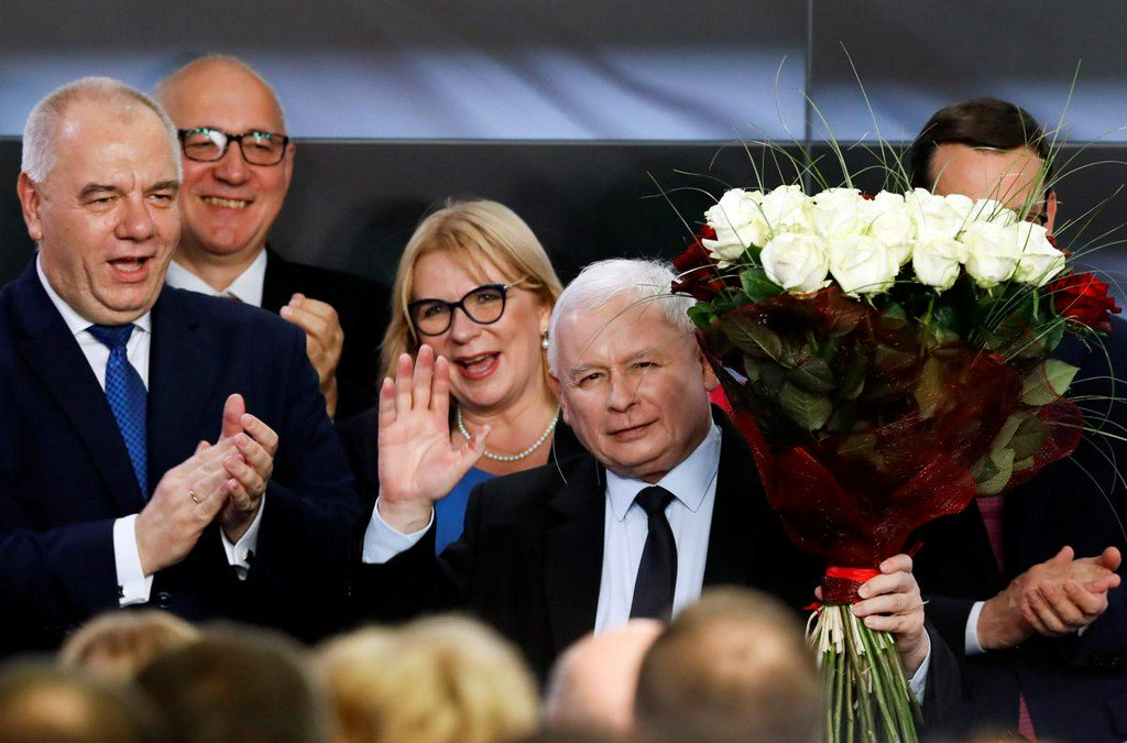 Poland's ruling nationalists win majority in parliament