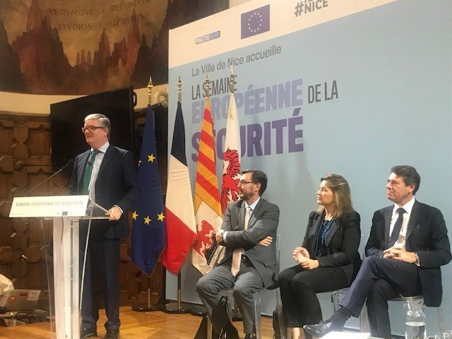 Terrorism threat remains. Cities are in frontline, to protect our public spaces/events, and tackle radicalisation. Meeting in Nice with the PACTSUR network of cities from across Europe set up by @VilledeNice and mayor @cestrosi with EU funding.