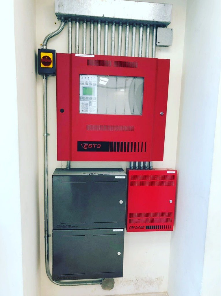 Embassy of Jordan in Beirut   Fire Alarm System from @edwards_safety @UTC   Main Fire Alarm Control Panel (3 Loops) with Amplifiers, Power Supplies & Batteries.                 #LifeSafety #FireSafety #FireDetection #FireAlarm #anotherprojectbymaccorp #maccorpersdoitbest https://t.co/yu4onxADsD