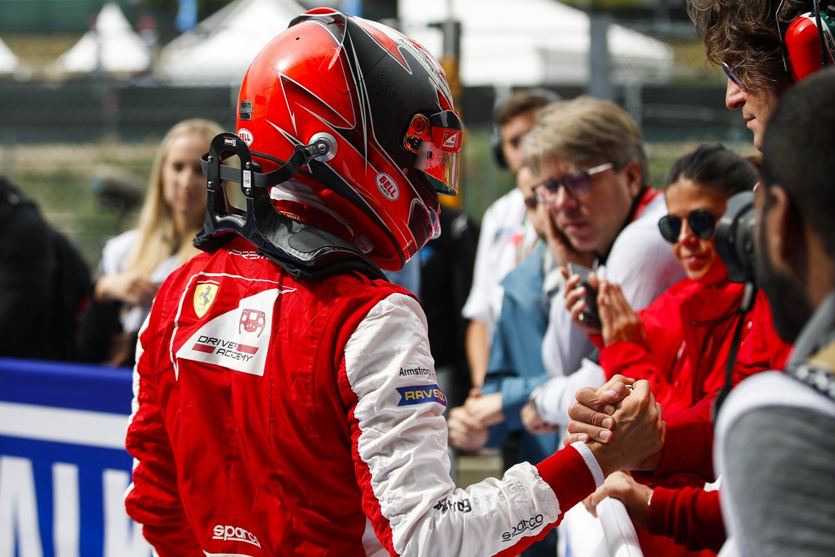 ❓ DID YOU KNOW: Kimi Raikkonen was one of the inspirations behind @MarcusArmstrng's helmet design 👀  Go behind the visor with the @insideFDA driver 👉 http://tinyurl.com/ARM-Visor  #RoadToF1 #F3