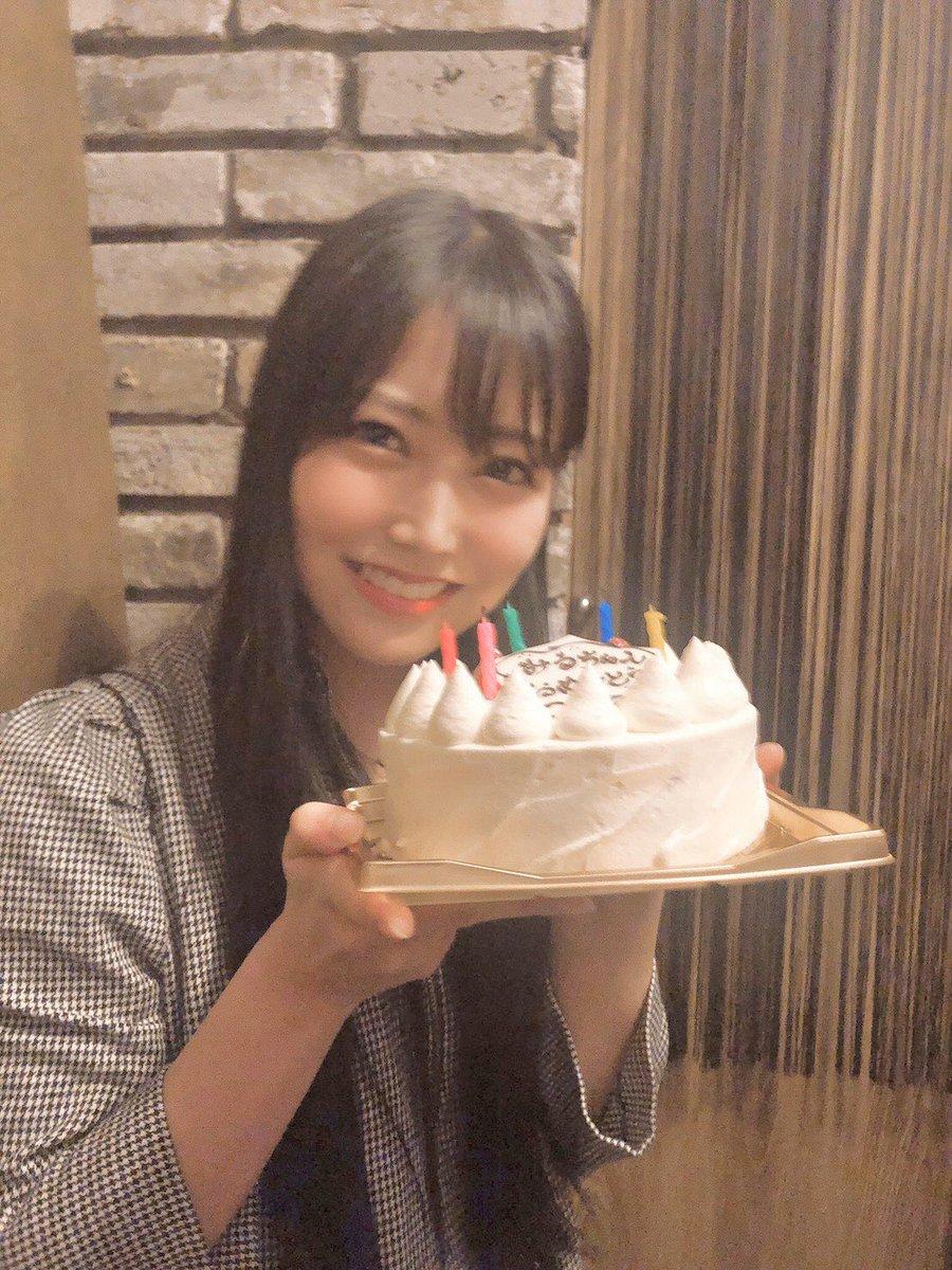 本日14日はチームM #白間美瑠 22歳の誕生日!!ライブパフォーマンスのみならず、モデル、スポーツと多方面で結果を残す白間。一方、公演の直前まで確認、練習を欠かさない姿は後輩たちも良い刺激を受けていると思います。これからも天真爛漫に #NMB48 を引っ張っていってください☺️おめでとう!✨