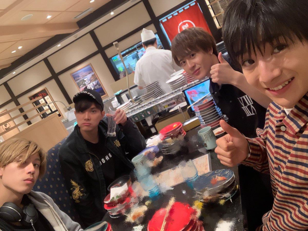 そして空港でクイック寿司喰いしてきたぜ!海の幸ことごとくハイクオリティ!!!#寿司#北海道