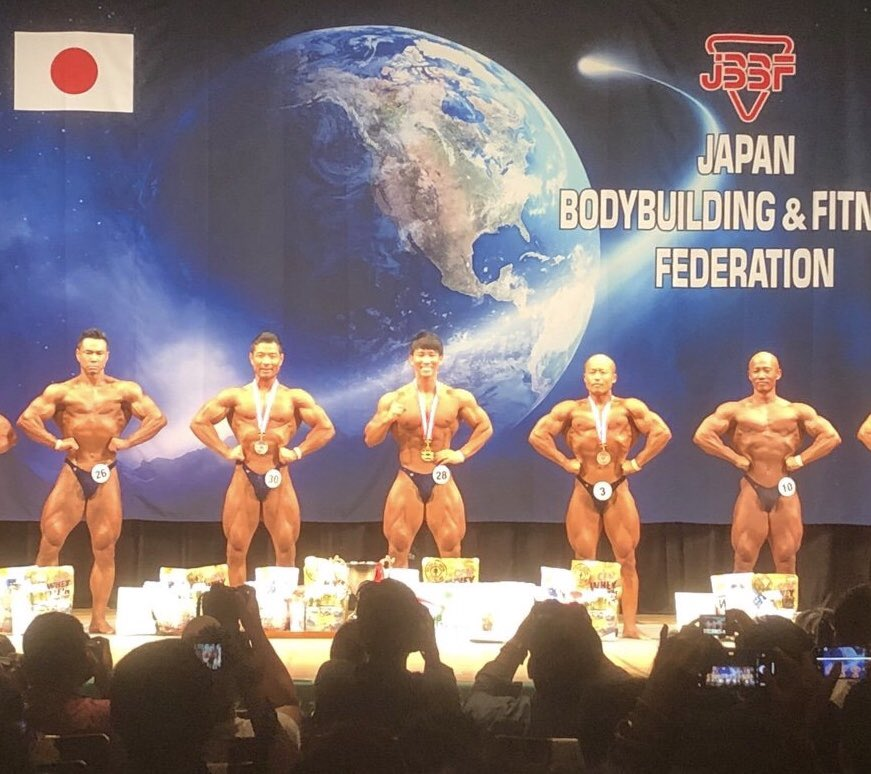 優勝できました😭🥇日本1😭😭ベストアーティスティック賞モストマスキュラー賞もいただき3冠です😭辛い事沢山あるし、むしろそっちの方が多いけど、失敗してもつまずいても、諦めないで一つの事に一生懸命になるってすごい良い事だなって思いました😭