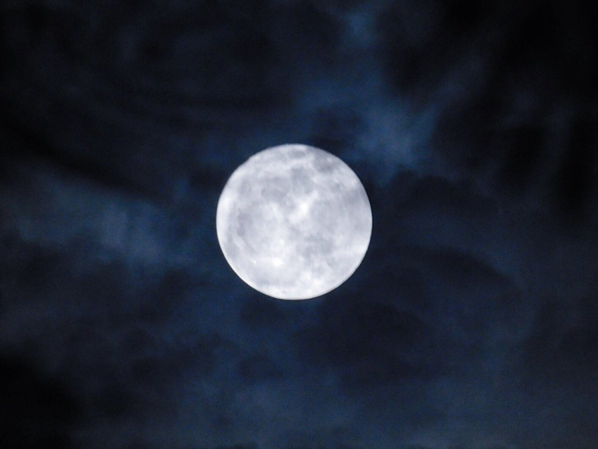 October's full moon. <br>http://pic.twitter.com/WhtuKre5Fe