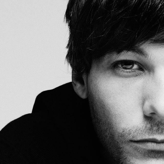 #Update | Ryan posted this picture of Louis.  '@/louist91 X britishgp'  © ryansaradjola <br>http://pic.twitter.com/bb3l2ZtLb2
