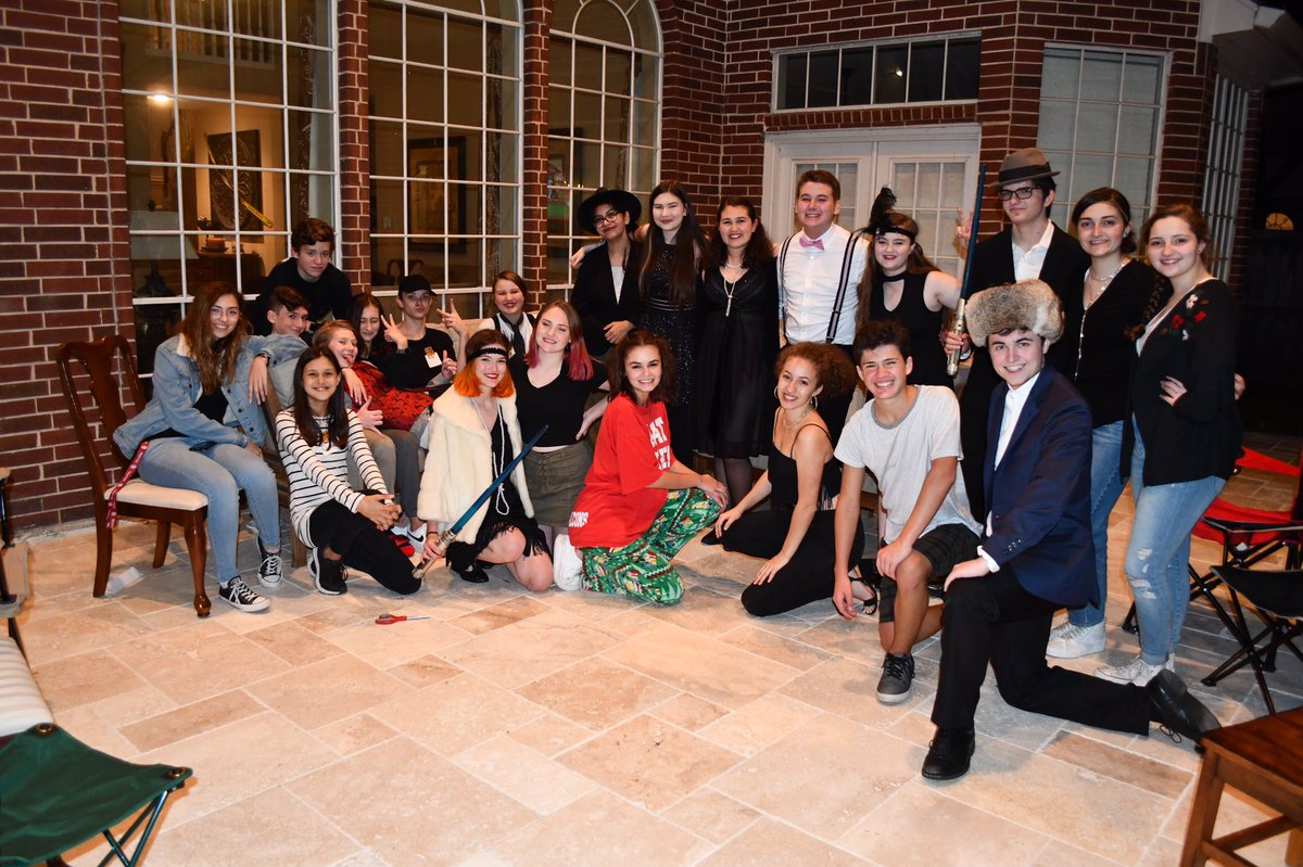 Our thespian murder mystery party!! <br>http://pic.twitter.com/1cg4C7pDEd