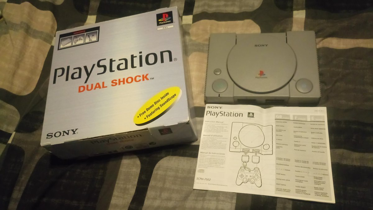 It's #ps1day and my today pickup is the playstation, box and manuals. No cables but I have my original. A nice find.! 😁#GamersUnite