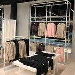 Image for the Tweet beginning: La reconocida marca de indumentaria,