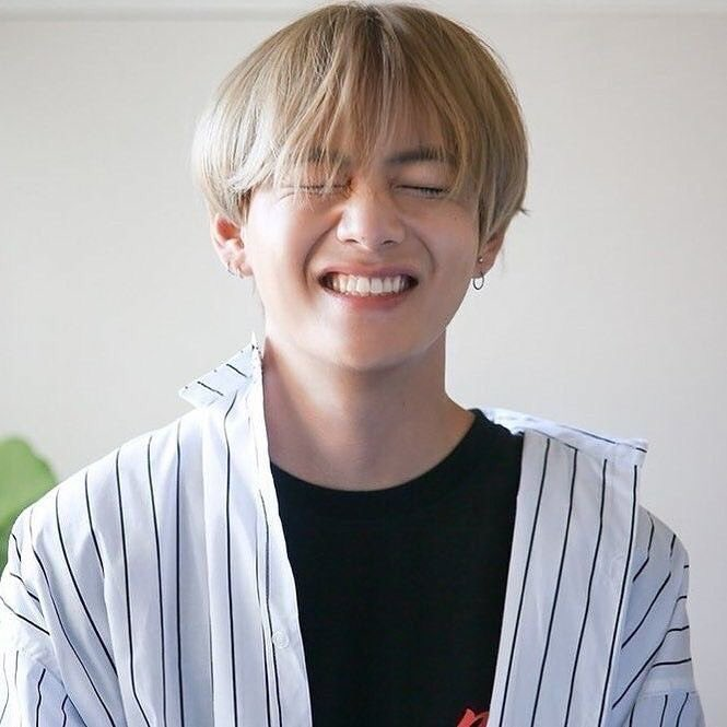 taetae's searches are messed up idk why i'm not clicking on them. please help to clear if you can   taehyung best vocalist taehyung winter bear taehyung photographer taehyung cute taehyung handsome taehyung talented taehyung best boy taehyung good boy taehyung vante <br>http://pic.twitter.com/IysU9U6IP7