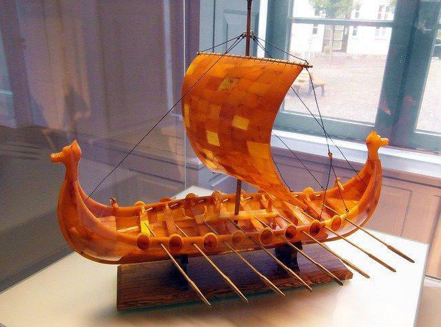 Teach #STEM through Viking ship design from @TeachNgineering! Students design, build and test their own model Viking ships. #LeifEriksonDay #engineering #edtech #OER #openeducation #goopen #k12https://www.curriki.org//oer/Viking-Ship-Design-Challenge-135502…