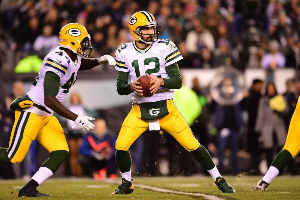 .@AaronRodgers12 loves playing on Monday Night. Tonights #DETvsGB game is his 16th #MNF game and the #Packers have won 6 of their past 8 Monday night matchups (via @AP_NFL). #GoPackGo yhoo.it/2nOoO46
