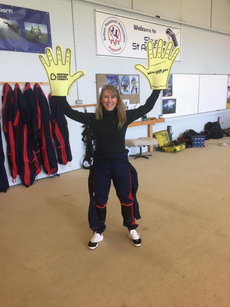 You're always in safe 'hands' with the A.C. Whyte team, here is our MD Jennifer just before her charity skydive on Saturday for @Beatson_Charity   #beatsoncancercharity #boobybirds #teambeatson #charityskydive #cancerawareness