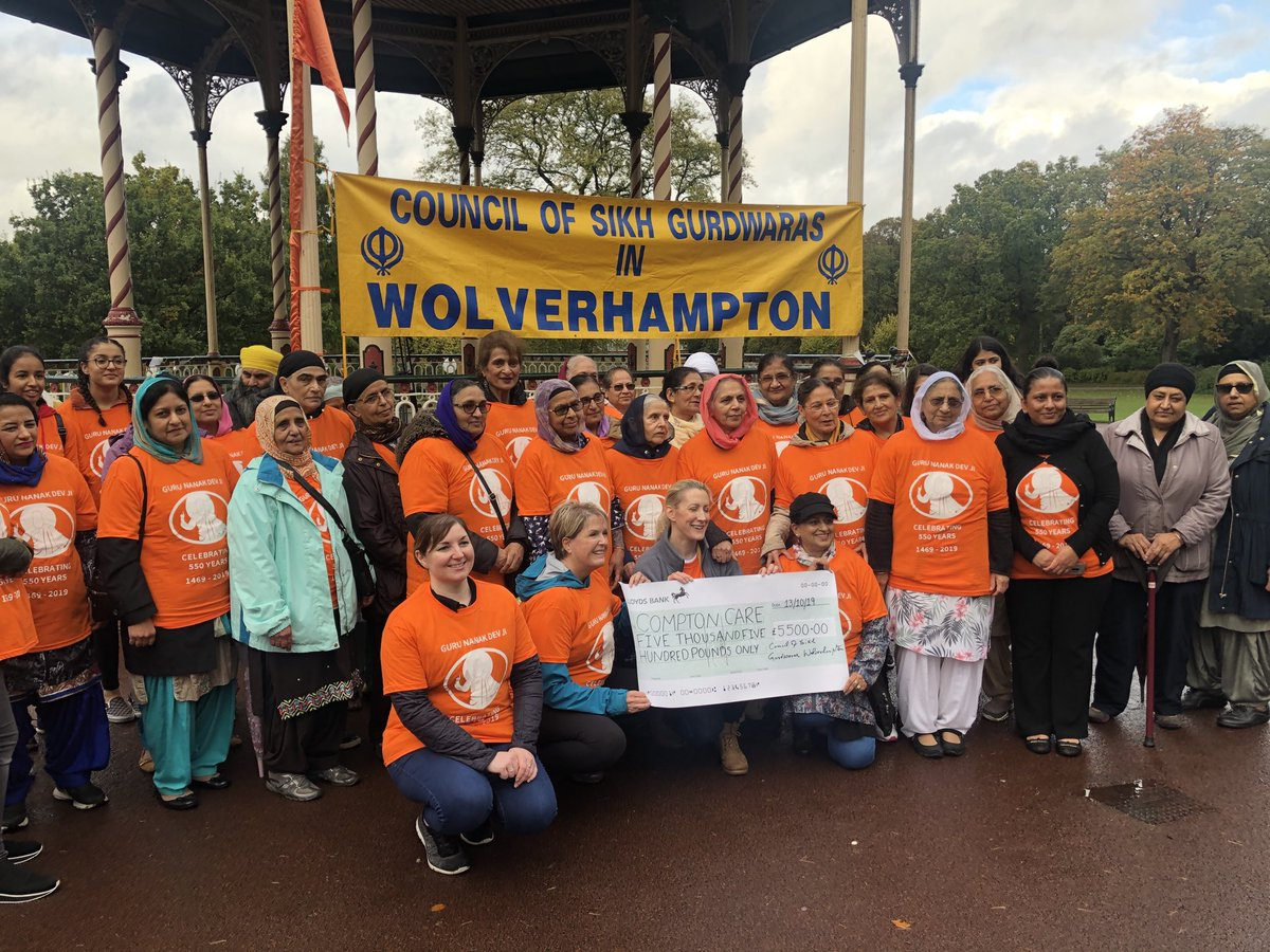 Fantastic effort from Wolverhampton's Sikh community at West Park yesterday. Donating £5,500 to @Compton_Care to mark the 550th anniversary of the birth of Guru Nanak Dev Ji.