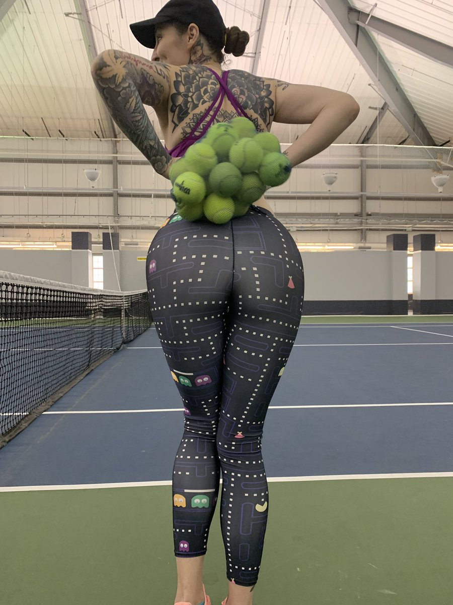 These aren't the only balls I'm trying to play with  <br>http://pic.twitter.com/3vUiE27CHF
