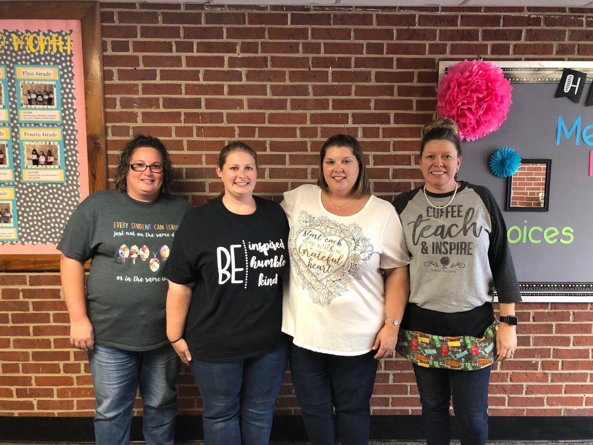 Our ESL team and 1st grade team rocked their motivational shirts today. Way to rock the positivity ladies! #hawkeyestrong #positivemindset <br>http://pic.twitter.com/Gan9pjmvIS