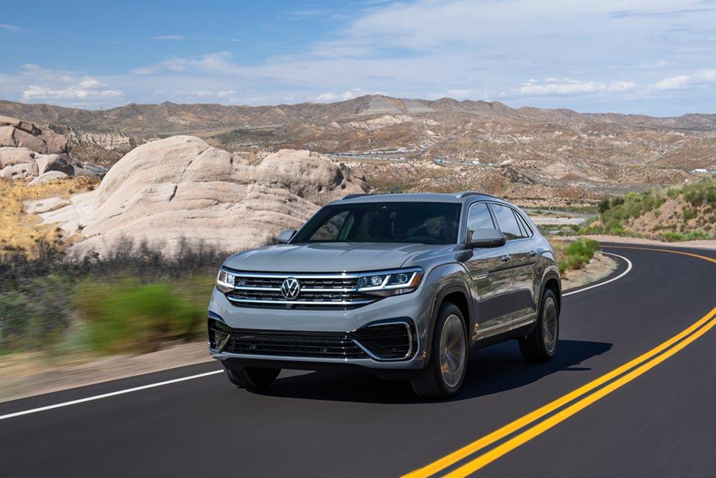 Volkswagen amplía su familia de SUVs con el nuevo Atlas Cross Sport, tiene carrocería tipo coupé, espacio para cinco pasajeros y dos motorizaciones de hasta 276 hp https://t.co/LiB9cmiMSe https://t.co/w0QYpuetvu