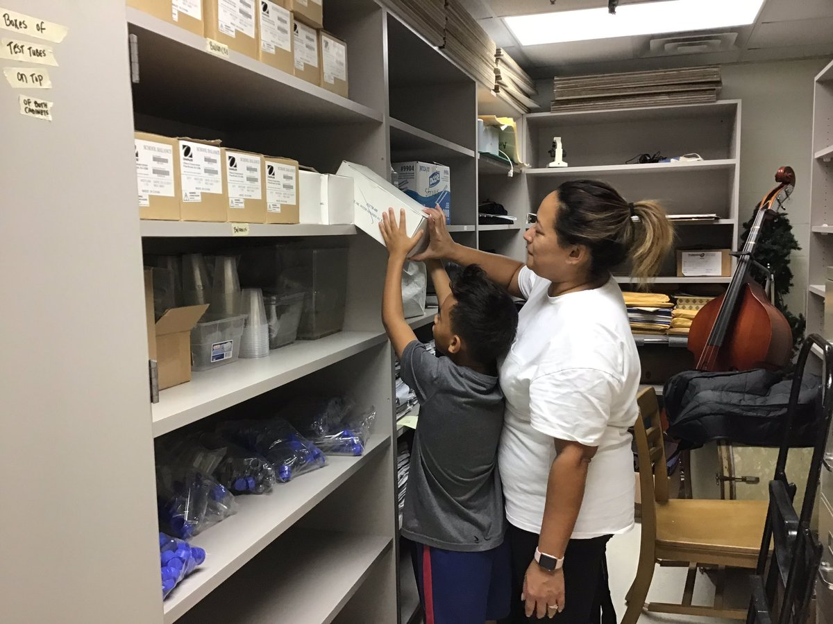 We're so appreciative of our Glebers who helped organize our STEM closet on their day off <a target='_blank' href='http://twitter.com/GlebeAPS'>@GlebeAPS</a> <a target='_blank' href='http://twitter.com/APSVirginia'>@APSVirginia</a> <a target='_blank' href='http://twitter.com/APSscience'>@APSscience</a> <a target='_blank' href='http://search.twitter.com/search?q=GlebeEagles'><a target='_blank' href='https://twitter.com/hashtag/GlebeEagles?src=hash'>#GlebeEagles</a></a> <a target='_blank' href='https://t.co/1e90x4NfG6'>https://t.co/1e90x4NfG6</a>