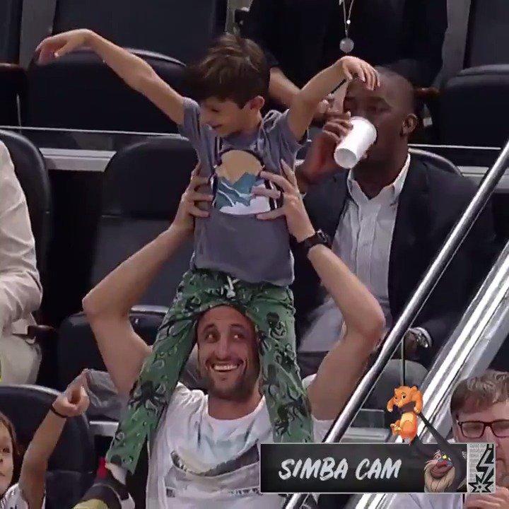 Manu Does Simba Cam 🦁