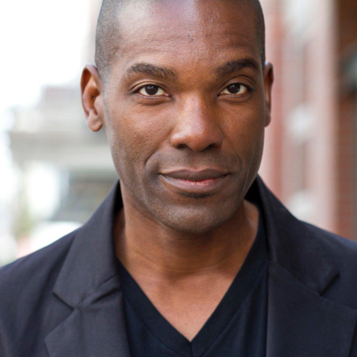 "Ray Campbell will guest star as ""Solomon Vick"" in #HTGAWM  6x05 & 6x06. I'm assuming he's playing Michaela's dad. #TGIT @HowToGetAwayABC<br>http://pic.twitter.com/XbyQvdZutV"