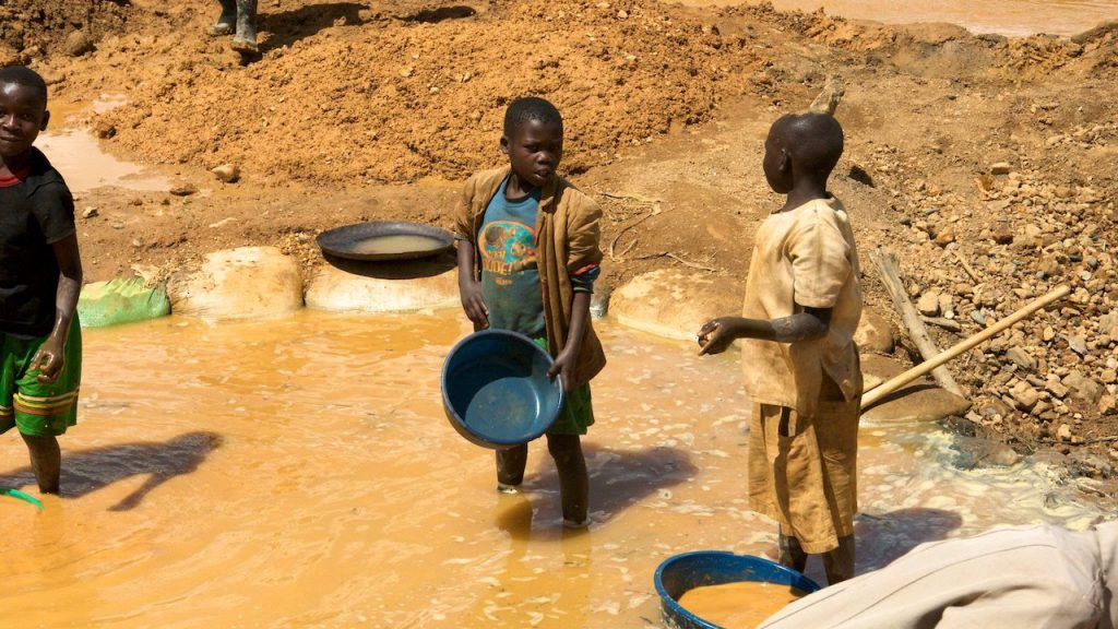Majority of firms fail at #conflictminerals due diligence  https:// buff.ly/2OIMbHp     #Cobalt #SupllyChain #Childlabour #Mines #Minerals #Congo #RDC<br>http://pic.twitter.com/3ZftvcWbes
