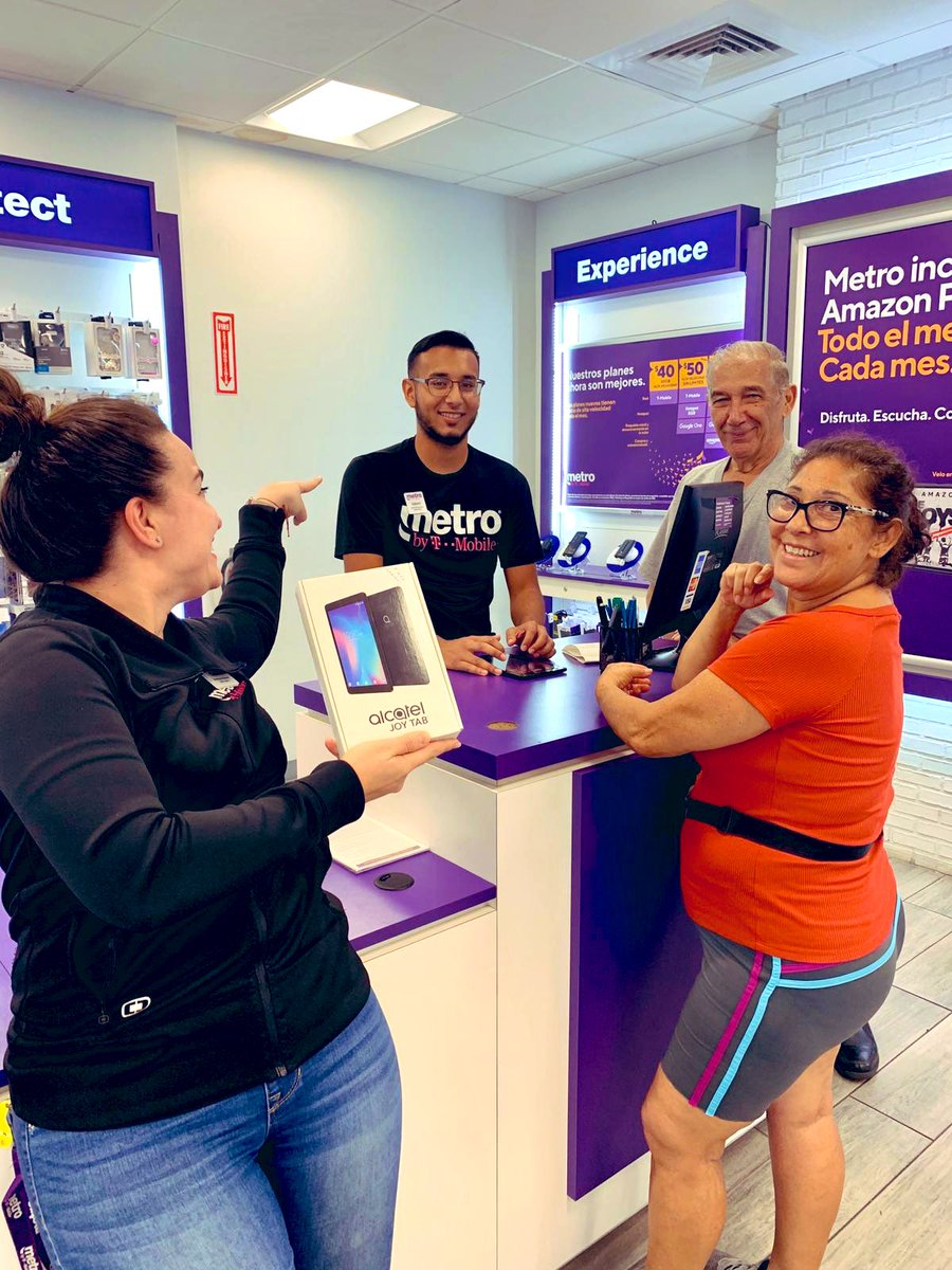 Thanks Gabriel, for getting the word out on that new Alcatel Joy Tab for @MetroByTMobile! Another happy customer at the #SFLHialeah store. #MetroByTMobile