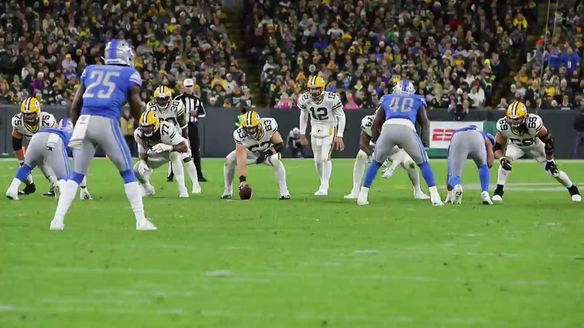 Absolutely beautiful. @AaronRodgers12 @AllenLazard #GoPackGo 📺: #DETvsGB on ESPN #MNF 📱: NFL app // Yahoo Sports app Watch free on mobile: on.nfl.com/D5d80R