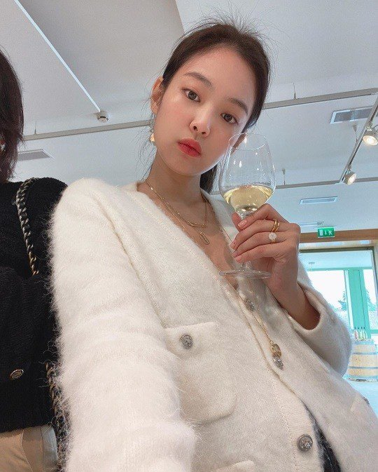RT @pannkpop: BLACKPINK Jennie gets cheering comments for her latest photo, Knetz react https://t.co/l2sUPQm01W https://t.co/XKTNvyUi5s