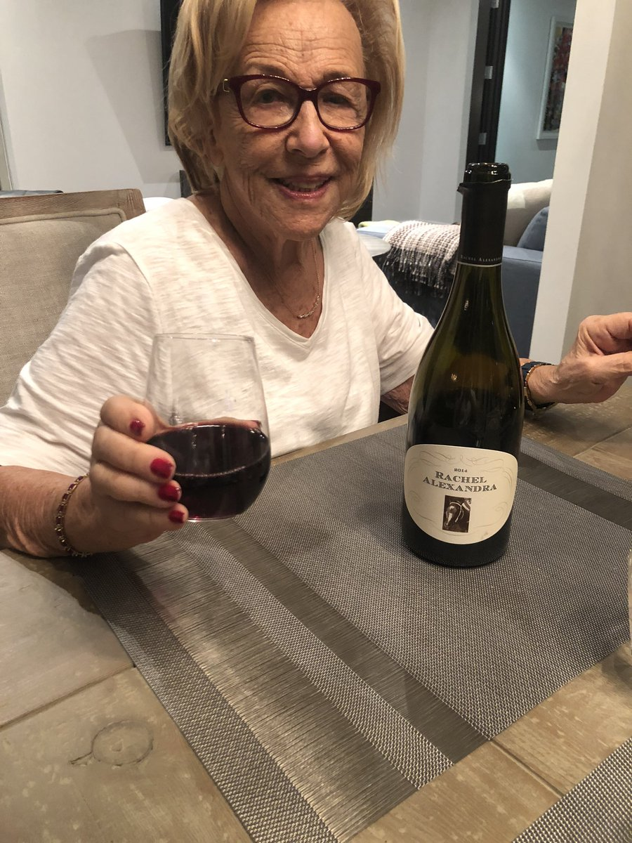 test Twitter Media - Drinking our favorite wine tonight with the best mare!!! @barbarabanke @StonestreetFarm #nannythegreat https://t.co/i0z3joohqK