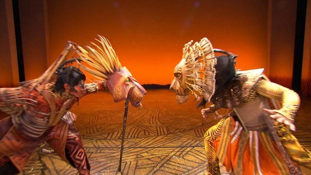 Ever wondered how the #LionKing puppets work? Get a behind-the-scenes look at how your favorite characters are brought to life on the Broadway stage!  For more details, see here:  https:// boston.cbslocal.com/2019/10/14/the -lion-king-disney-musical-boston-animal-characters-innovation/   … <br>http://pic.twitter.com/aYf4o4hfRD