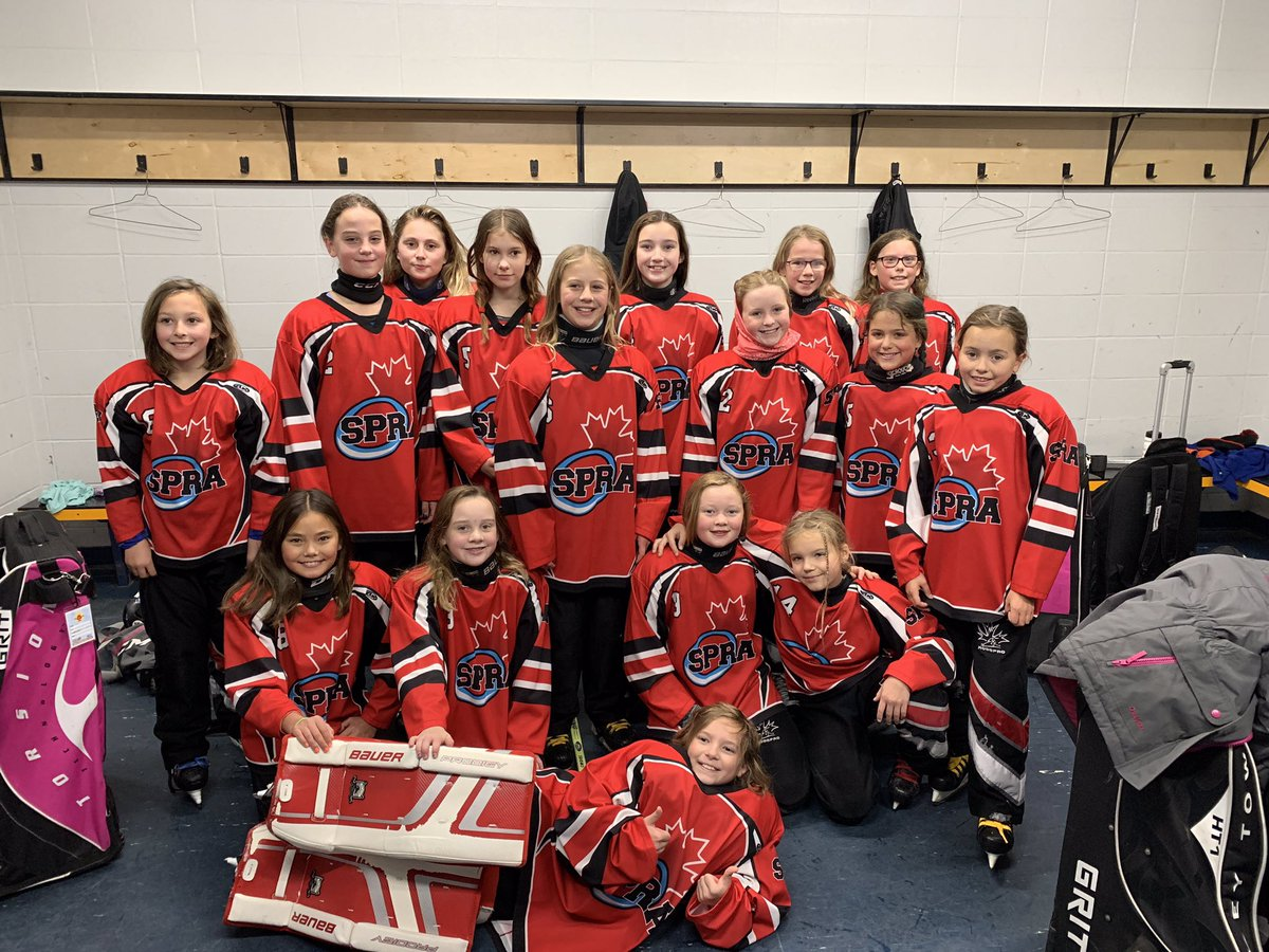 The U12C Thunder had lots of fun in the #turkeyring, including a nail biter game vs. Fort Saskatchewan Ice Rebels. Thunder tied the game with 42 seconds left, ending in an 8-8 tie!  #spra #ringettetournament pic.twitter.com/8AckV7xKPm
