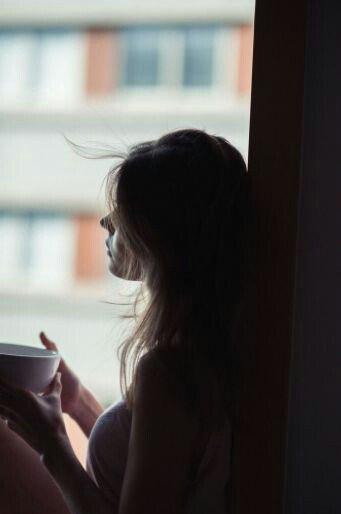 Τις λέξεις τις κάνω δικές μου . ( ένας κόσμος κλεισμένος και απέραντος) σε ένα τοίχο καρφώνω το ποίημα δε φωτίζει Καλημέρα παιδιά, χαλιά ο καφές μου σήμερα πρωί πρωί, δεν το πέτυχα...