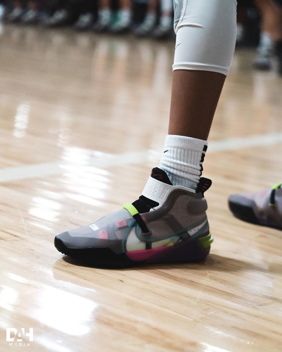 Gigi Bryant got a Kobe AD FF PE and I just realized that she could get to debut all the new Kobes that are gonna be coming out, which is fire. 📷: @_TheRealJayWill