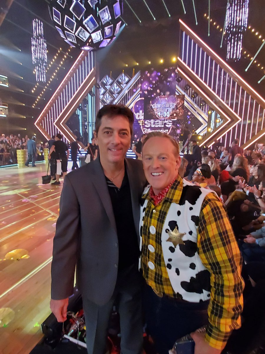 Sean Spicer's first month on 'Dancing With the Stars': Low scores, mockery — and no sign of being voted off
