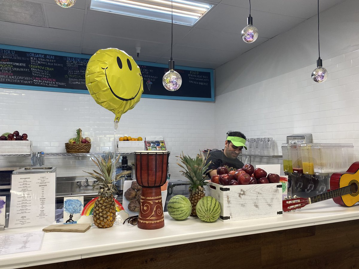 Squeeze Juice Bar in Moraga says they lost $2,000 in sales & tossed out $600 worth of vegetables and fruits during the PG&E #powershutoff. Governor Newsom has called on the utility to give credits/rebates of $250 per small business affected and $100 to residents @KPIXtv