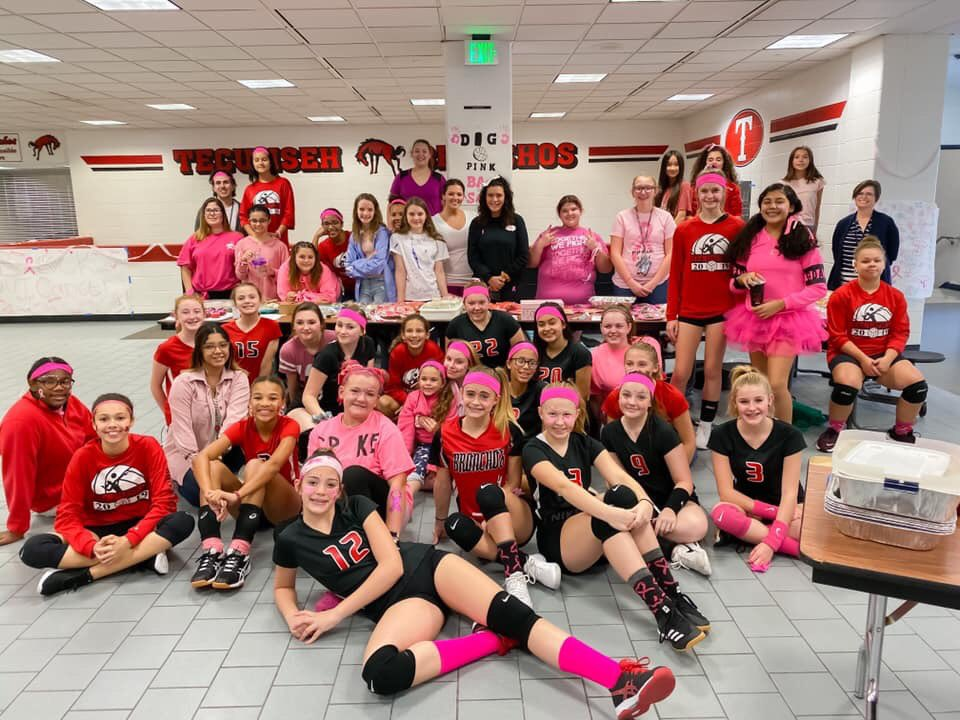 Tecumseh's volleyball team raised $300 for the National Breast Cancer Foundation!! #gobronchos 🏐❤️🖤