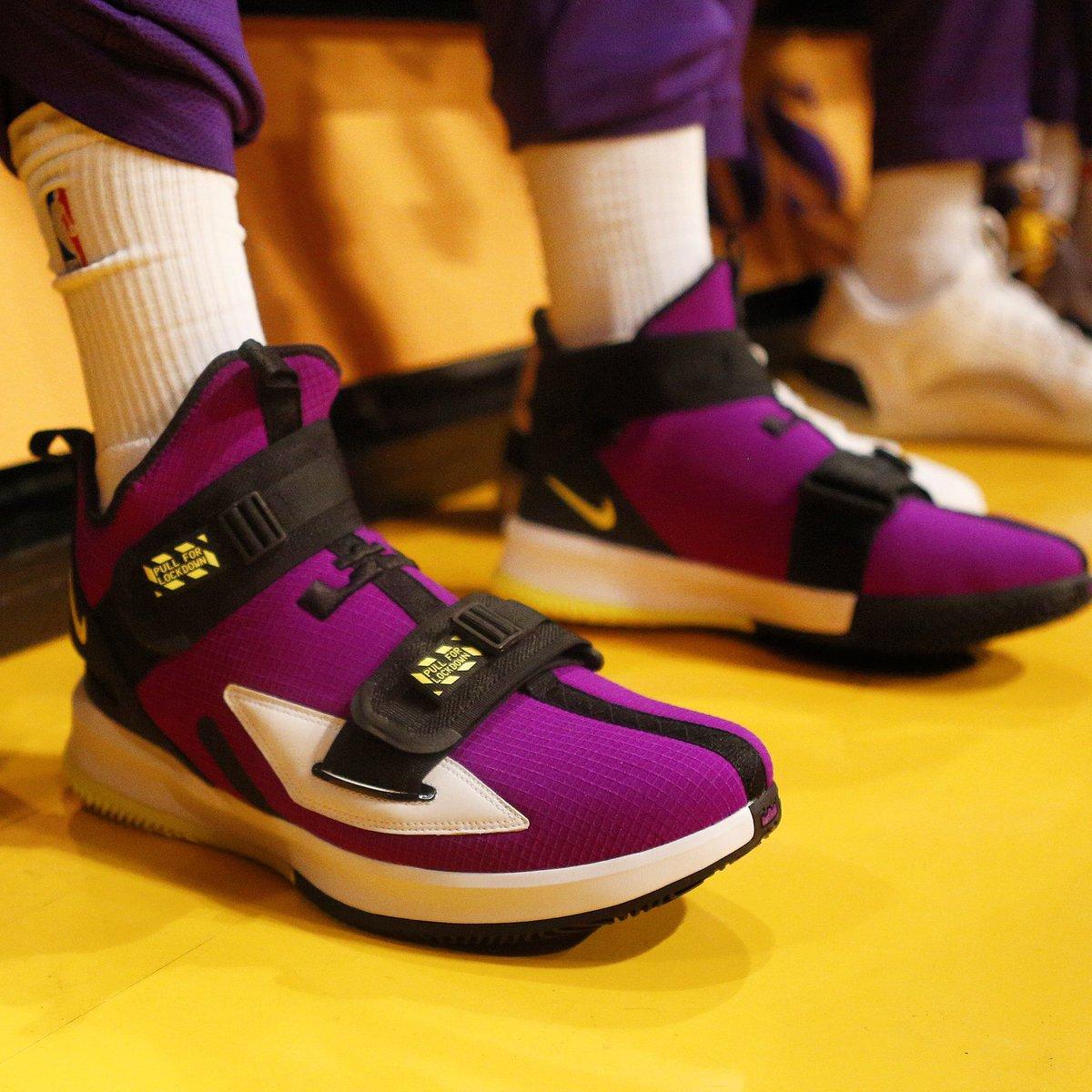 #RT @NBA: RT @NBAKicks: LeBron's Nike LeBron Soldier XIII tonight! #NBAKicks