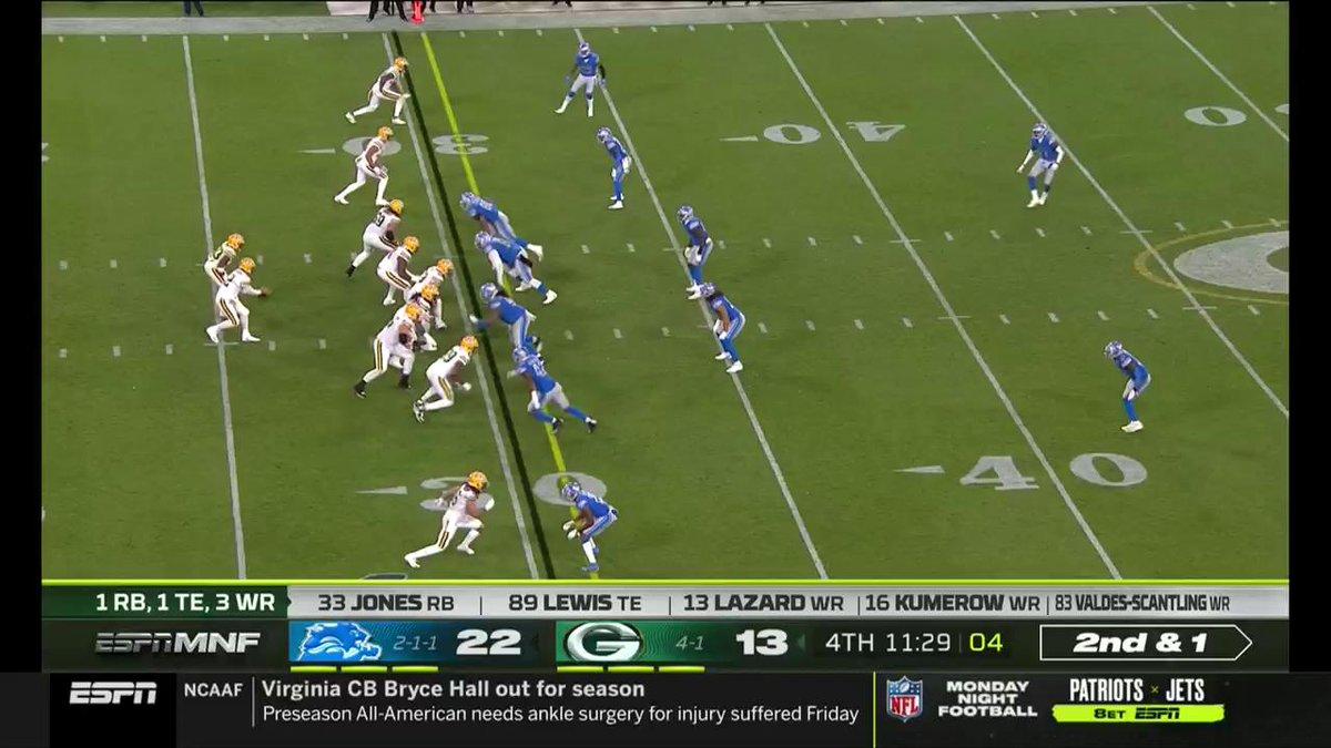 .@AaronRodgers12 is out here slinging darts. 🎯 #GoPackGo @MarcedesLewis89 📺: #DETvsGB on ESPN #MNF 📱: NFL app // Yahoo Sports app Watch free on mobile: on.nfl.com/D5d80R