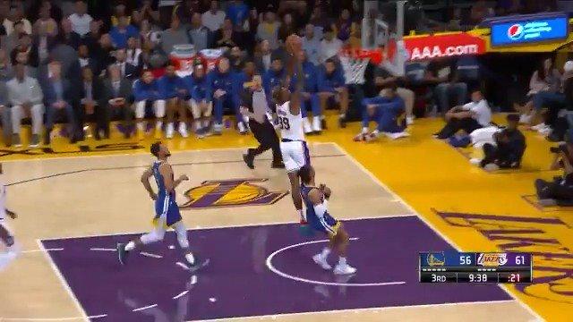 #RT @NBA: Dwight Howard steal & slam!  @Lakers 70 @warriors 58  #NBAPreseason on @NBATV