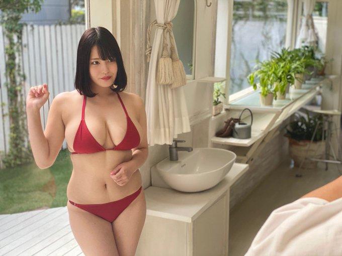 グラビアアイドル彼方美紅のTwitter自撮りエロ画像8