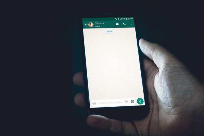 test Twitter Media - Heb jij een van deze smartphones? Dan heb je binnenkort geen WhatsApp meer https://t.co/4cuEDFP7K6 https://t.co/UP5gO3Qfep