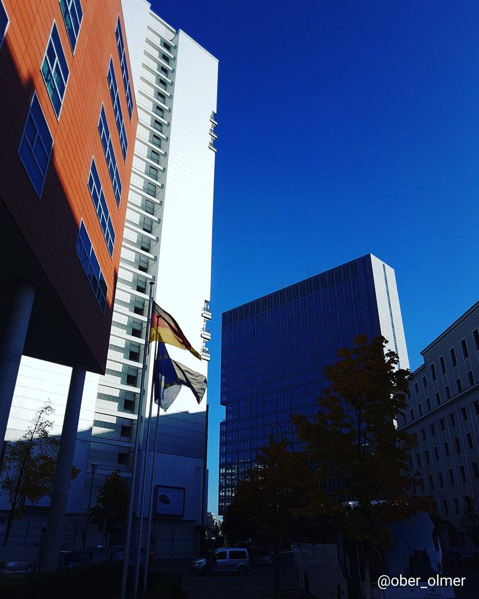Another sunny day in October.  #pictureoftheday #picoftheday #photooftheday #webstagram #tweegram #instagood #instalike