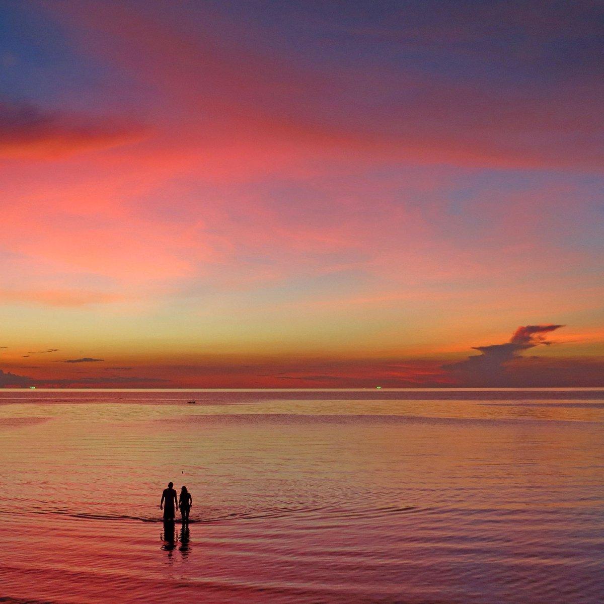 Sea sunset landscape <br>http://pic.twitter.com/VDqMKfXIB8