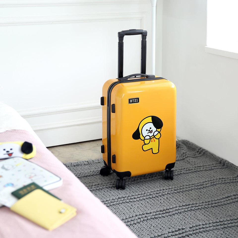 Fill your luggage with treasures. #BT21 #캐리어 #SUITCASE  #LUGGAGE #모노폴리 #monopoly #단독오픈 #압구정 #Apgujeong #라인프렌즈 #LINEFRIENDS #UNIVERSTAR #KOYA #RJ #SHOOKY #MANG #CHIMMY #TATA #COOKY #VAN #new #newarrivals #travel #여행스타그램pic.twitter.com/XjvXnnm9Jf