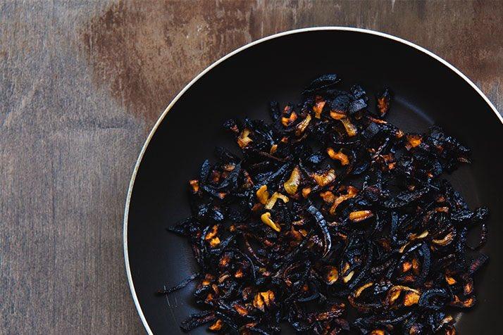 My girlfriend specialises in New Zealand cuisine.....ALL BLACK!! <br>http://pic.twitter.com/REnDPzeaAt